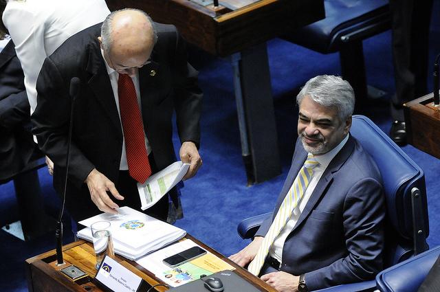 Humberto vai ao Planalto no início da noite conversar com a presidente sobre o ano legislativo. Foto: Alessandro Dantas/ Liderança do PT no Senado