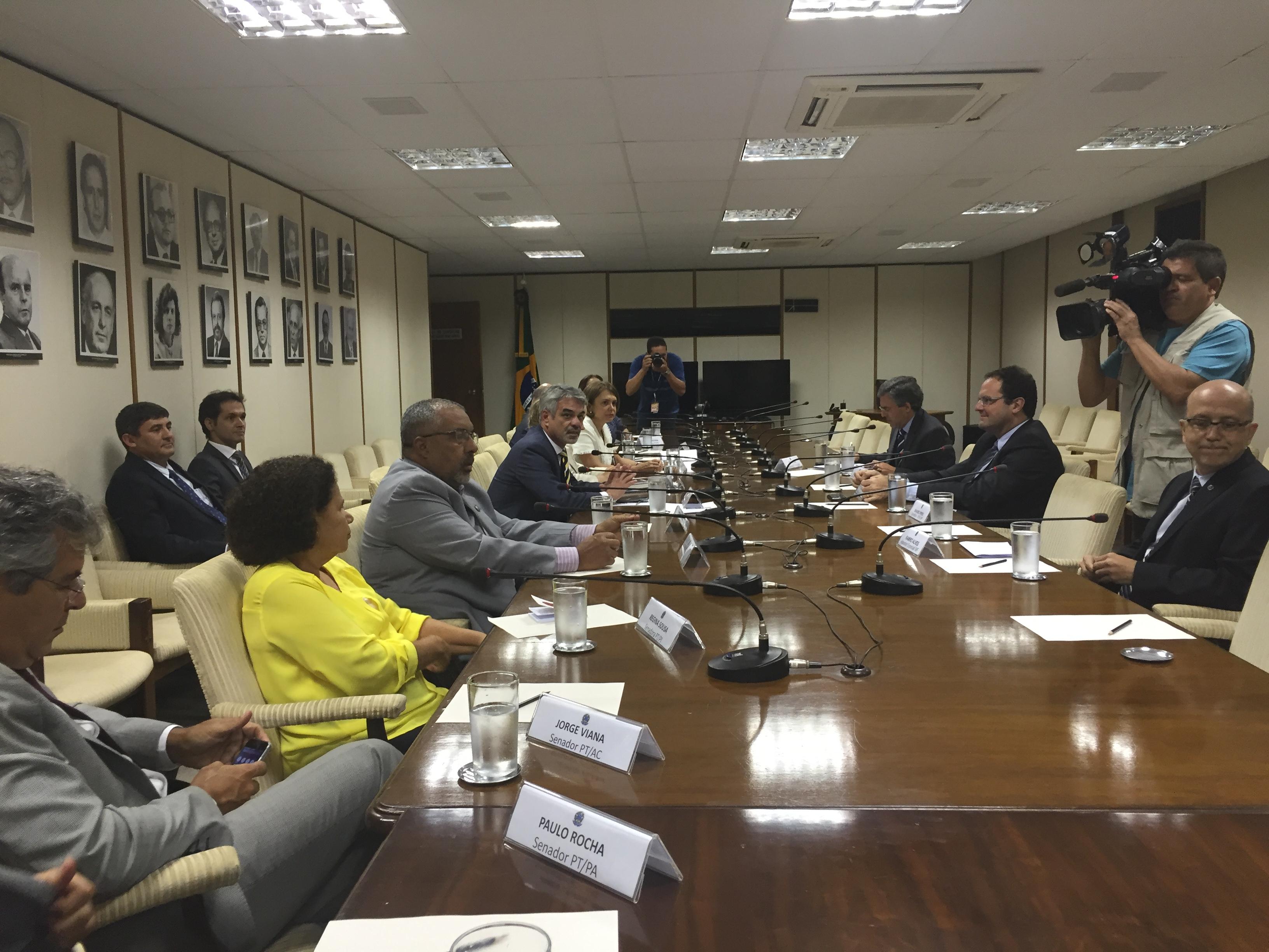 Liderados por Humberto, senadores foram ao Ministério da Fazenda para reunião com Barbosa. Foto: Assessoria de Comunicação
