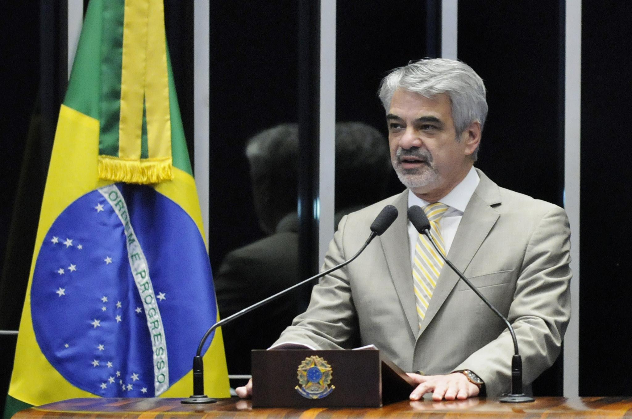 Humberto: ajuste fiscal feito por Dilma é sério e já traz resultados. Foto: Alessandro Dantas/ Liderança do PT no Senado.