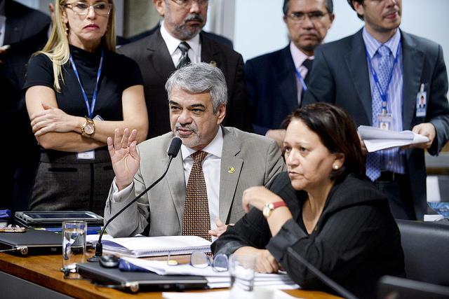Líder do Governo lamentou que denunciantes não tenham feito apresentação técnica do que acusam Dilma. Foto: Jefferson Rudy/Agência Senado