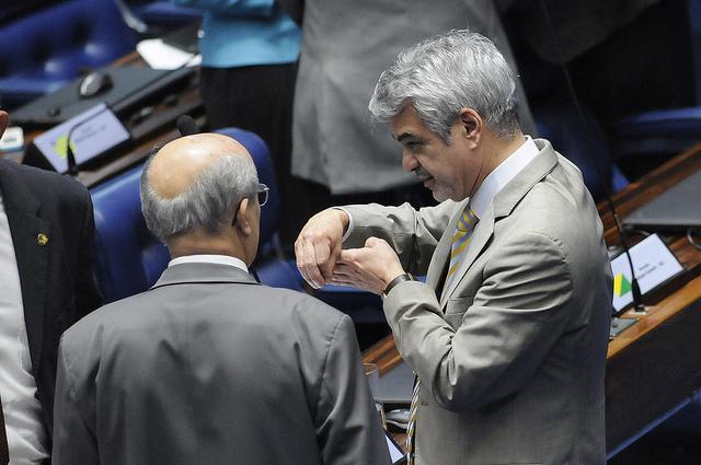 Líder do Governo, Humberto Costa levou ao Senado críticas de instituições internacionais à tentativa de golpe. Foto: Alessandro Dantas/Liderança do PT