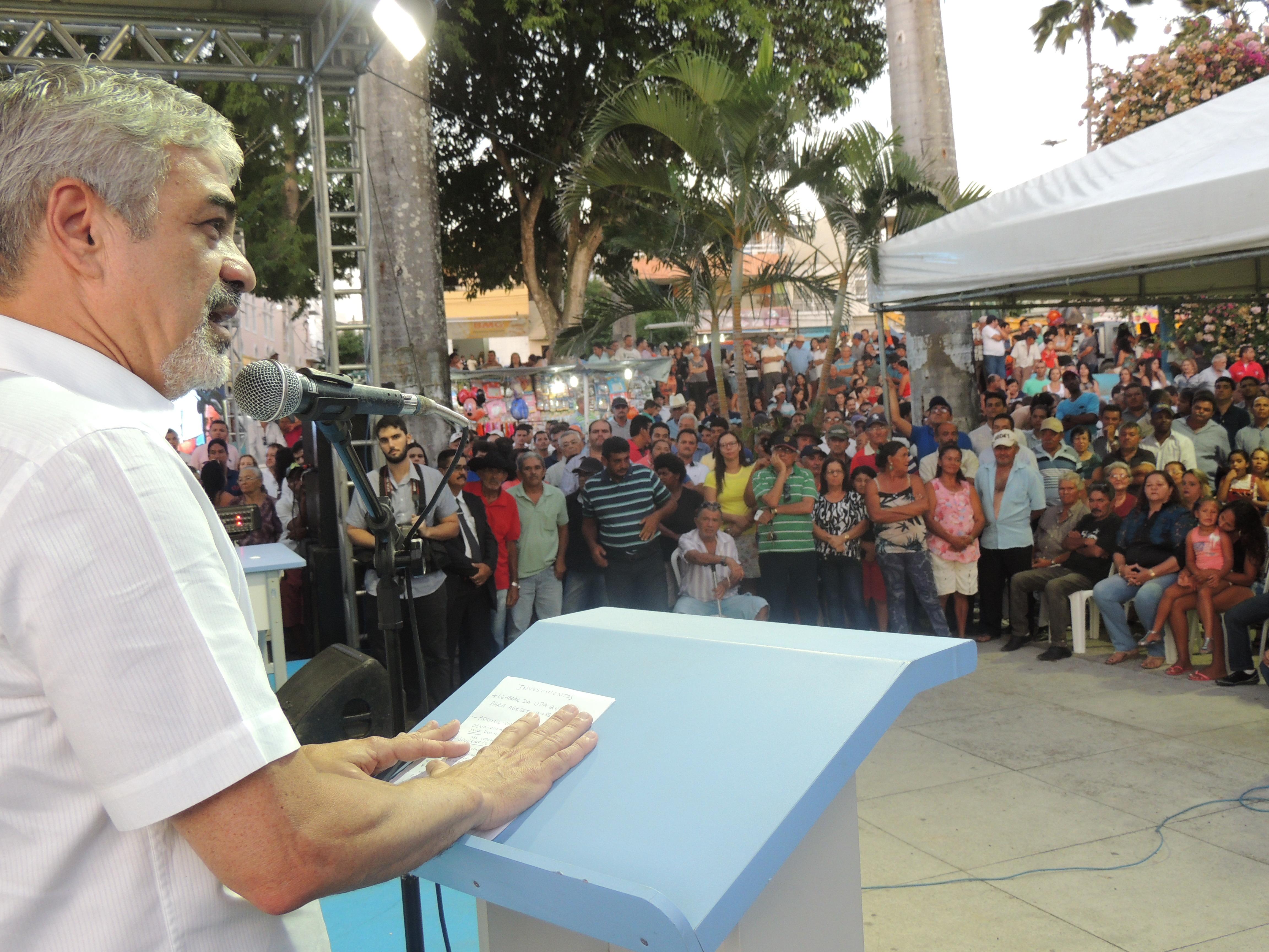 Humberto confirma que destinará R$ 300 mil, de emenda parlamentar, para Agrestina para a comrpa de equipamentos e custeio na área da Saúde. Foto: Assessoria de Comunicação