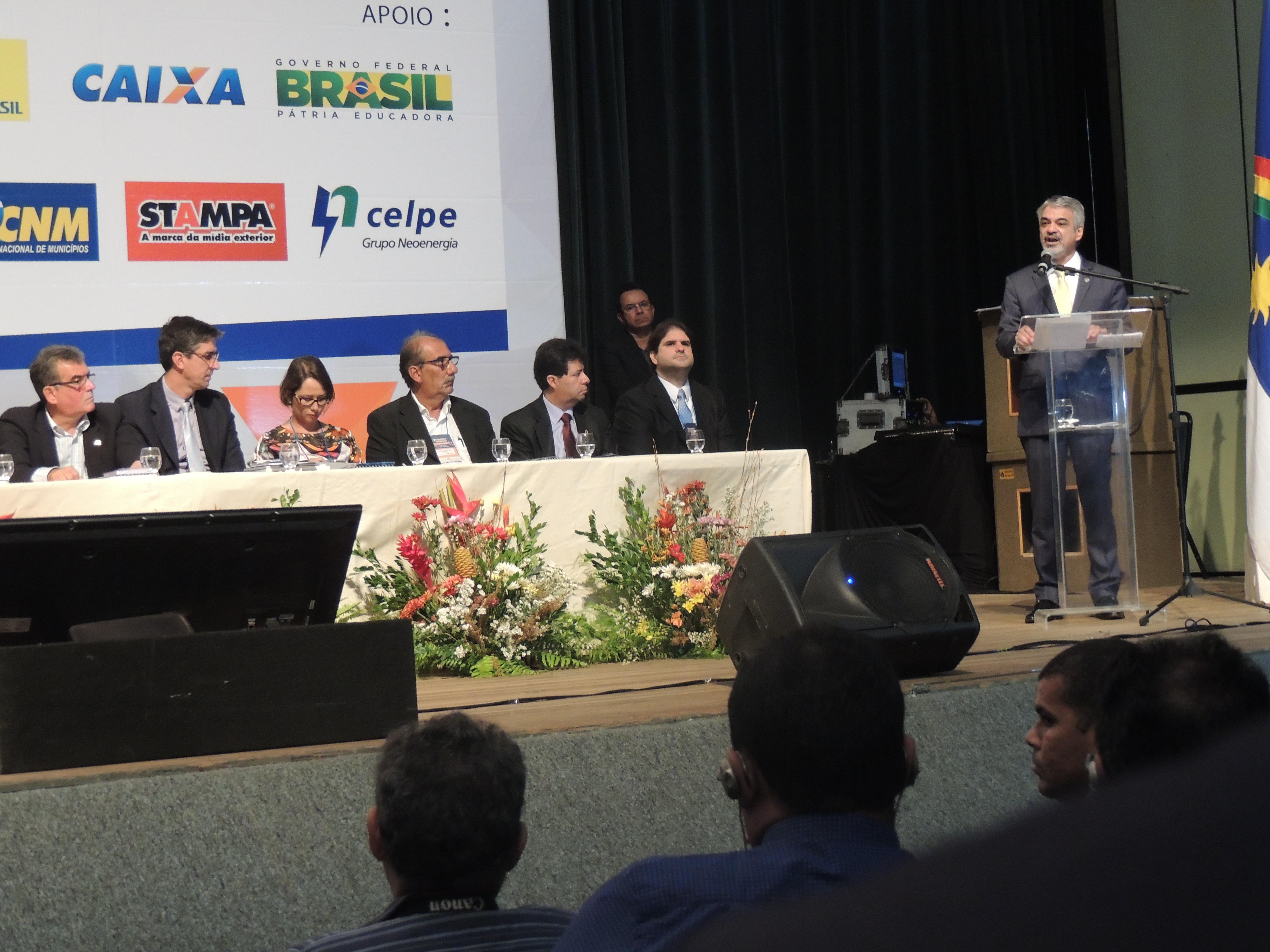Humberto: Tenho certeza que vamos enterrar de vez essa crise que está paralisando o Brasil. Foto: Assessoria de Imprensa