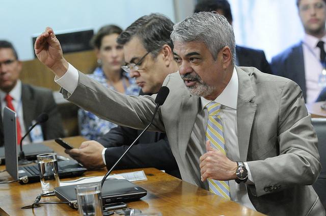 Na reunião desta manhã, Humberto anunciou que vai ao Supremo para que processo contra Dilma seja suspenso. Foto: Alessandro Dantas/ Liderança do PT no Senado
