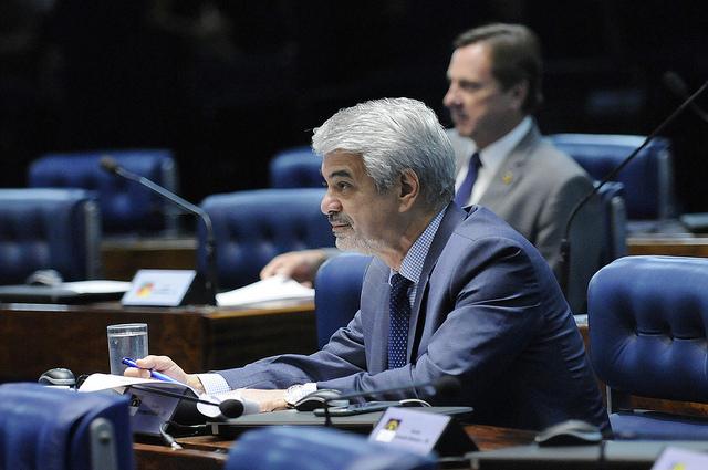Líder do Governo Dilma, Humberto critica projetos que retiram conquistas dos trabalhadores . Foto: Alessandro Dantas/ Liderança do PT no Senado