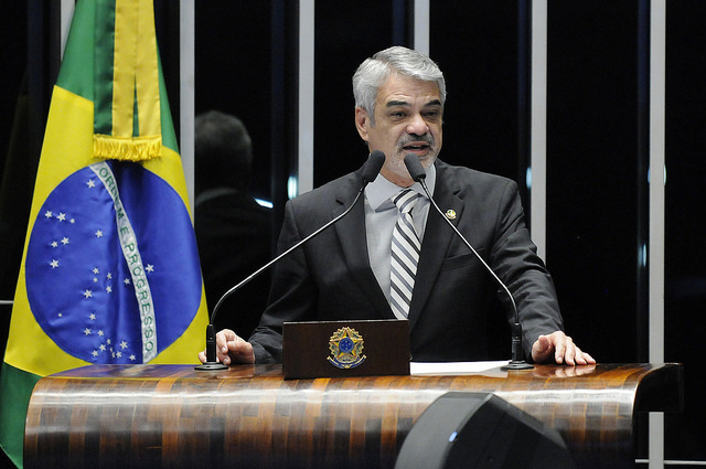Humberto critica plano apresentado por Temer para combater a violência contra as mulheres. Foto: Alessandro Dantas/ Liderança do PT