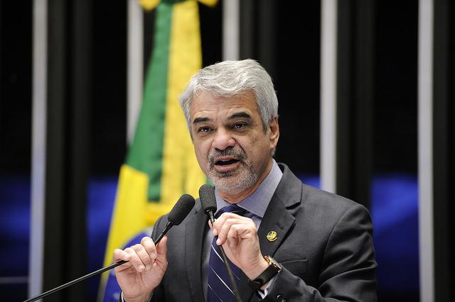 Humberto explicou que a grande agenda de Lula no Estado faz parte uma ação nacional para denunciar o golpe contra o mandato da presidente Dilma Rousseff (PT). Foto: Pedro França /Agência Senado