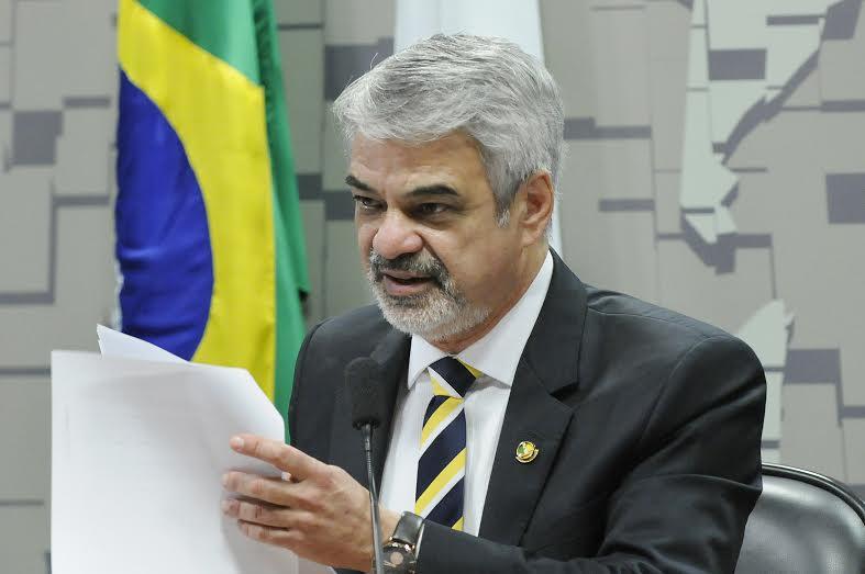 Humberto: A Petrobras é um dos grandes patrimônios brasileiros. Não podemos deixar que esse projeto avance no Senado. Foto:  Alessandro Dantas/ Liderança do PT