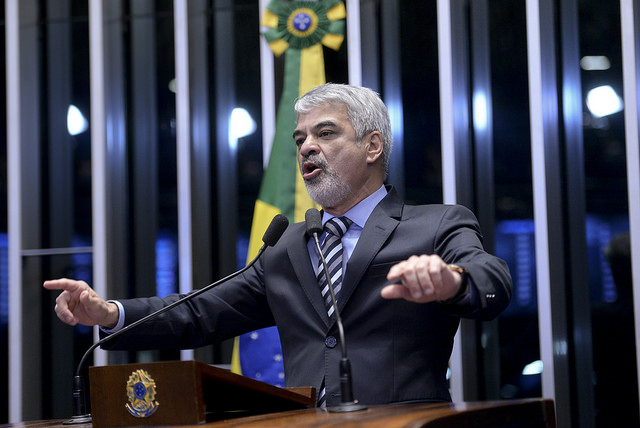 Líder do PT afirma que Dilma é a única capaz de propor novas eleições presidenciais. Foto: Jefferson Rudy/ Agência Senado