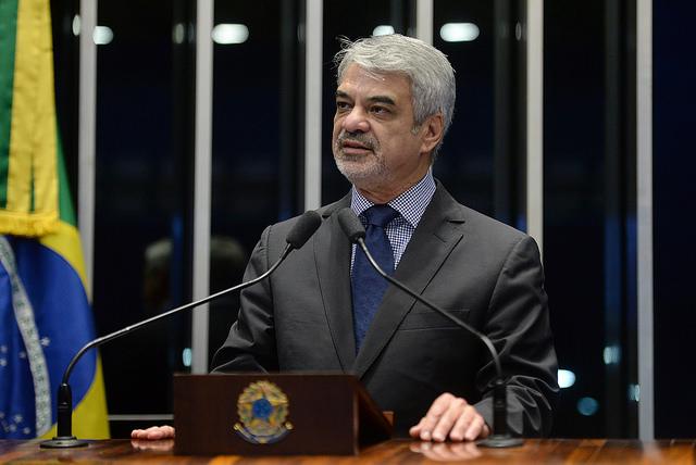 Humberto: Temos de ter responsabilidade com a democracia do país. Foto: Alessandro Dantas/ Liderança do PT no Senado