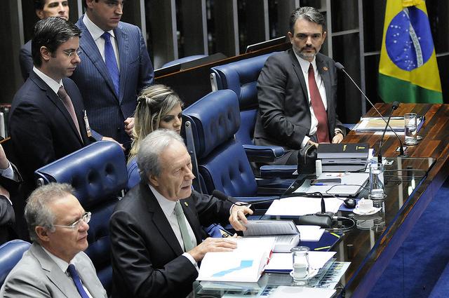 Para Humberto, essa foi uma tremenda derrota para o presidente golpista Michel Temer  e os seus aliados. Foto: Alessandro Dantas/ Liderança do PT no Senado