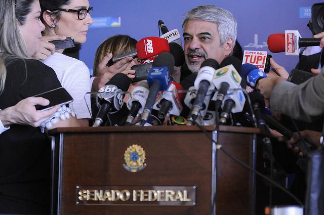 Humberto afirma que sucessão de vícios vai embasar pedido de anulação do impeachment no STF. Foto: Alessandro Dantas/ Liderança do PT no Senado