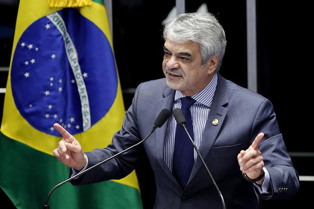Líder do PT explicou que presidenta não adulava o Congresso, que pode golpeá-la em retaliação. Foto: Alessandro Dantas/ Liderança do PT no Senado.