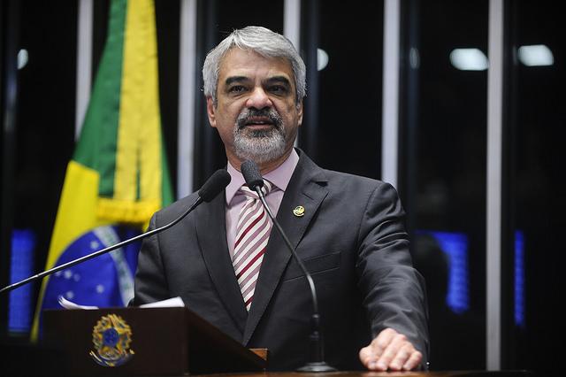Para Humberto, só o voto popular será capaz de restaurar a legitimidade política do país. Foto: Foto: Moreira Mariz/Agência Senado