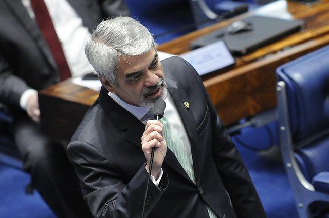 Líder do PT, Humberto Costa afirma que economista deu mais um atestado de idoneidade a Dilma. Foto: Alessandro Dantas/ Liderança do PT no Senado