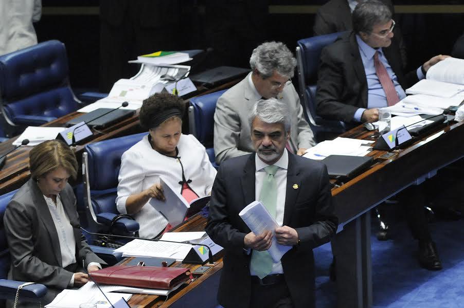 Para Humberto, Dilma mostrou  que todo o processo de seu afastamento é resultado de uma trama com todas as características de golpe de Estado. Foto: Alessandro Dantas/ Liderança do PT no Senado