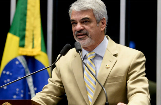 Humberto: Esse presidente golpista realmente está empenhado em beneficiar unicamente os mais ricos. Foto: Alessandro Dantas/ Liderança do PT no Senado