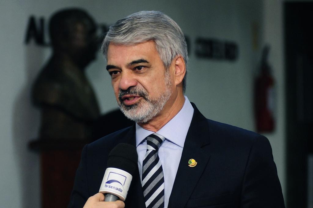 Humberto: Esse presidente golpista está rezando muito bem a cartilha do FMI. Foto: Alessandro Dantas/ Liderança do PT no Senado