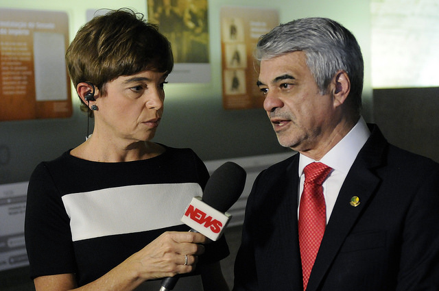 Líder do PT afirmou que ingerência em órgão de Estado é mais um erro histórico do governo. Foto: Alessandro Dantas/ Liderança do PT