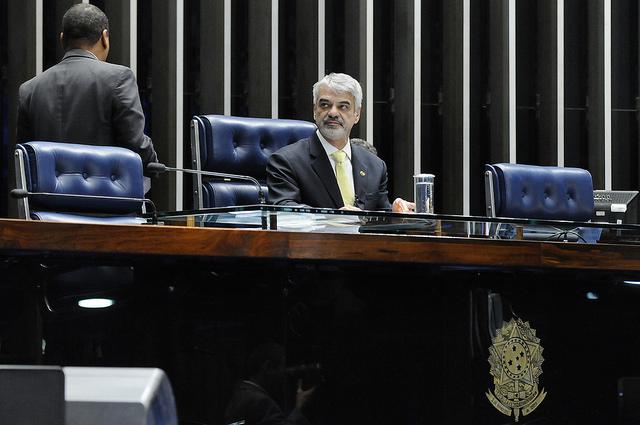 Líder do PT afirma que escândalo abala profundamente o governo de Michel Temer. Foto: Alessandro Dantas/ Liderança do PT no Senado.