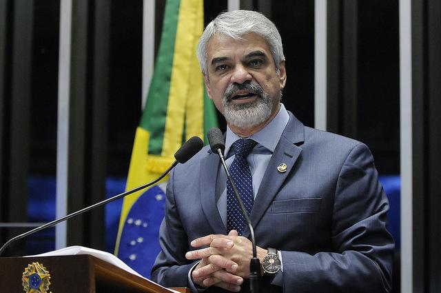 Humberto critica exoneração de ministros em troca de voto no Congresso Nacional. Foto: Alessandro Dantas/ Liderança do PT no Senado