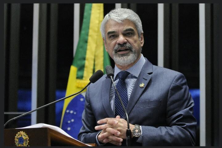 Humberto: Isso é um completo desrespeito aos professores e aos estudantes brasileiros. Foto: Alessandro Dantas/ Liderança do PT no Senado