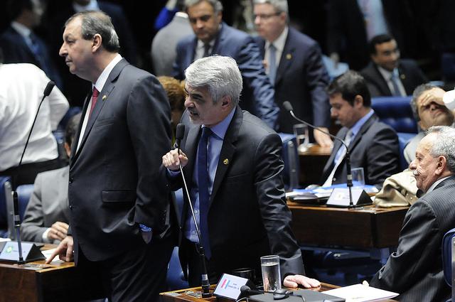 """Para Humberto Costa, os números revelam o """"fracasso de Temer na condução economia"""". Foto: Alessandro Dantas/ Liderança do PT no Senado."""