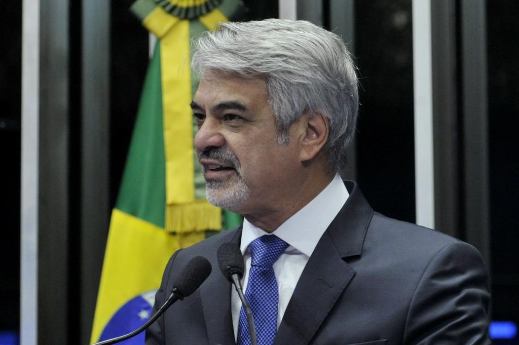 Humberto: a fraqueza do presidente da República é assustadora. Foto: Geraldo Magela/ Agência Senado