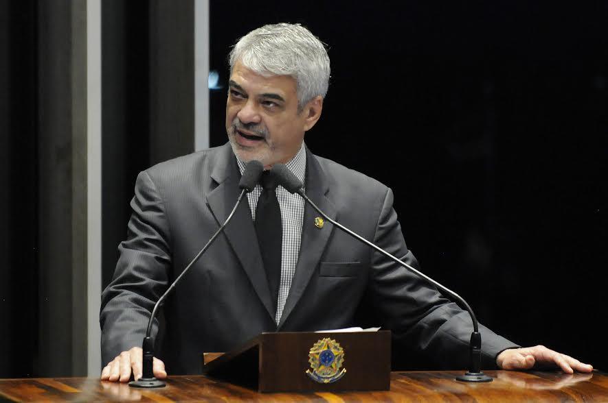 Humberto: A medida da Anac é um recuo grave para o direito do consumidor já estabelecido. Foto: Alessandro Dantas/ Liderança do PT no Senado