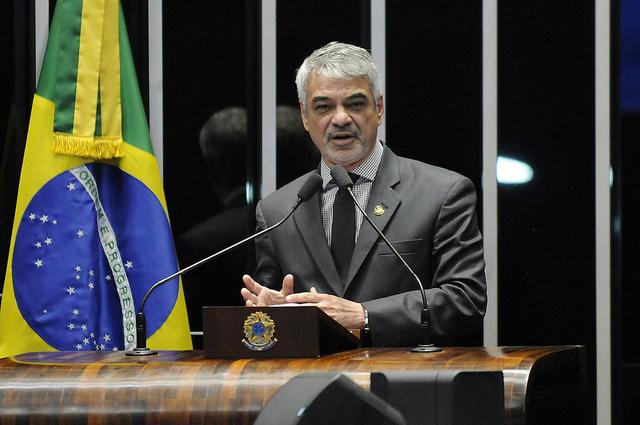 Para Humberto, a indicação de Moraes pode prejudicar a isenção da Suprema Corte, já que o ministro é filiado ao PSDB desde 2015. Foto: Alessandro Dantas/ Liderança do PT no Senado