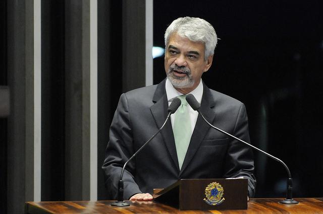 Humberto: O ex-presidente Lula tirou do papel uma obra que era idealizada desde a época do Brasil Império. Foto: Alessandro Dantas/ Liderança do PT no Senado
