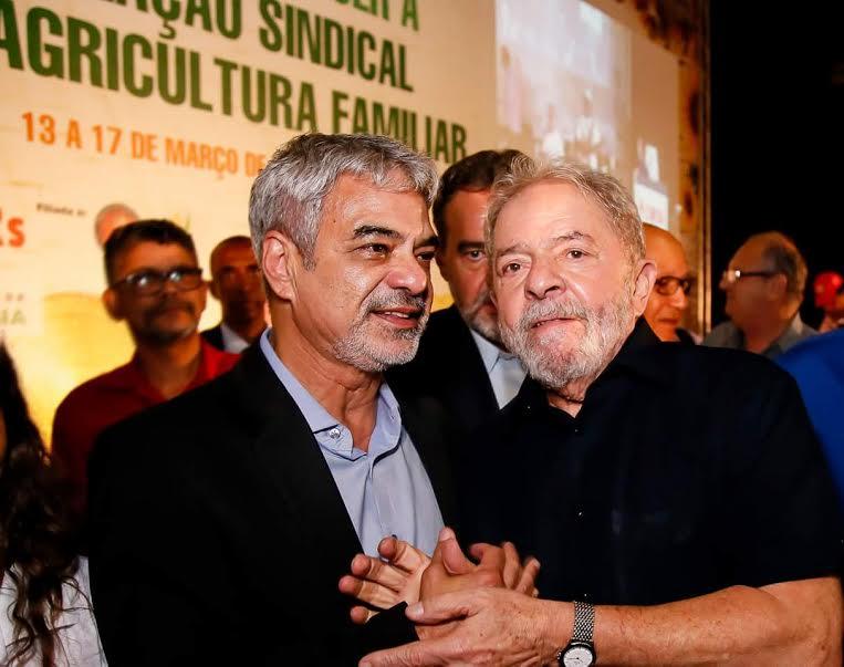 Humberto foi um dos que encabeçaram a proposta de trazer o ex-presidente ao Nordeste para reforçar a paternidade da obra. Foto: Roberto Stuckert Filho