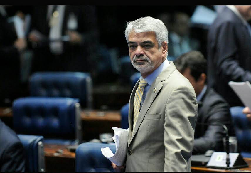 Humberto: Esse ministro perdeu toda a sua sustentabilidade política. Não tem mais nenhuma condição de continuar no cargo.Foto: Alessandro Dantas/ Liderança do PT no Senado